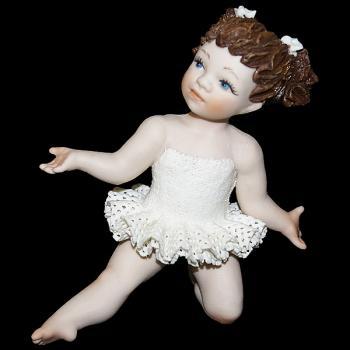 """Кукла """"Маленькая балерина в танце"""""""