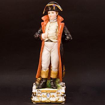 "Скульптура ""Наполеон"""