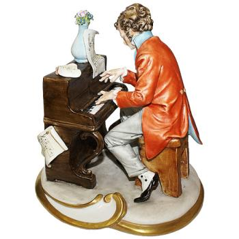 """Скульптура """"Пианист"""""""