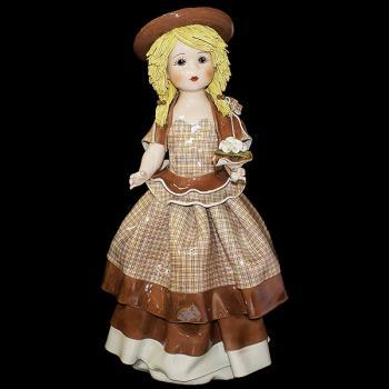 """Статуэтка """"Кукла с цветами в светло-коричневом платье"""""""