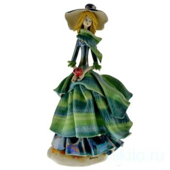 Дама в зеленом платье с розой