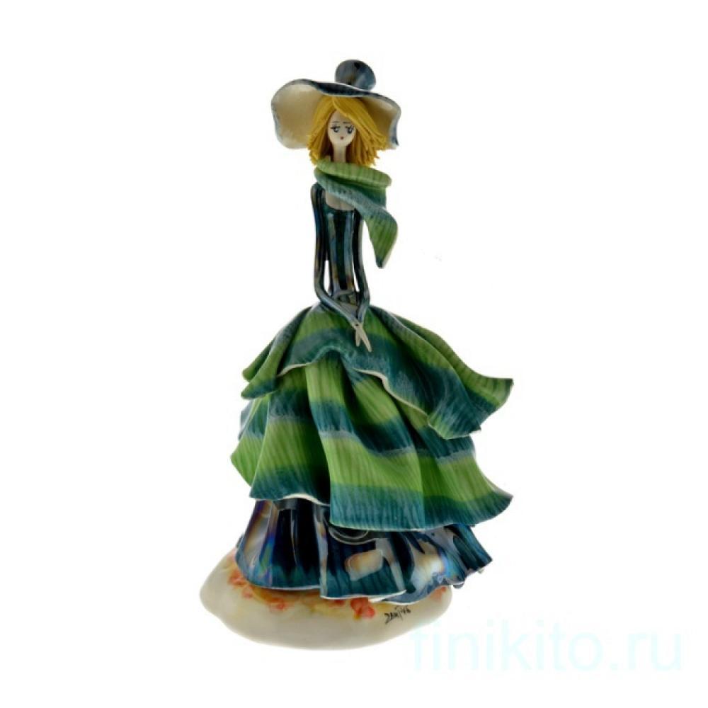 Дама в зеленом платье