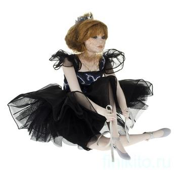 Кукла фарфоровая Carla