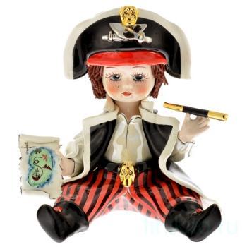 Мальчик Пират с трубой