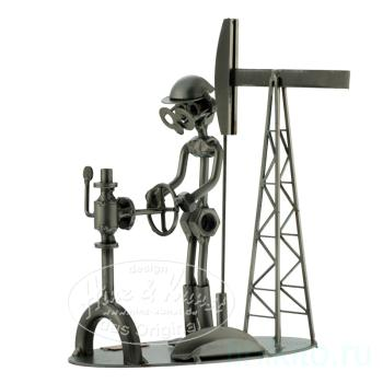 Нефтяник - подставка д/визиток