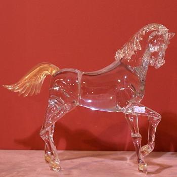 """Скульптура """"Несущийся конь"""""""