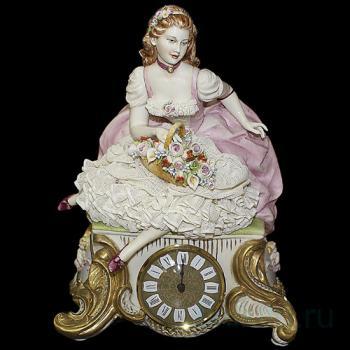 """Часы """"Дама с цветами"""""""