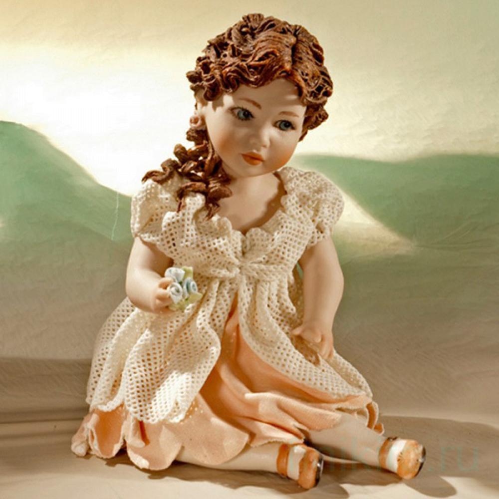 Flora Фарфоровая статуэтка