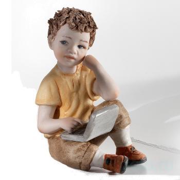 "Фарфоровая кукла ""Linus"""