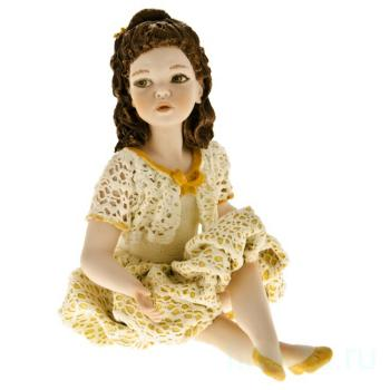 "Фарфоровая кукла ""Lorella"""