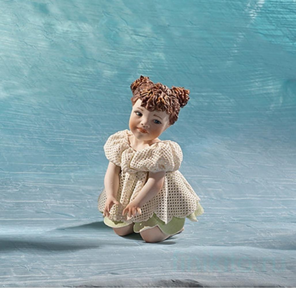 Violetta Фарфоровая статуэтка