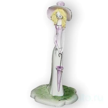 """Скульптура """"Дама в розовым с зонтиком"""""""