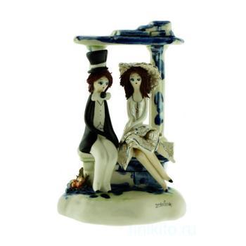 """Скульптура """"Пара сидящие под аркой"""""""