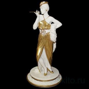 "Статуэтка ""Дама с сигаретой"""