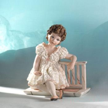 "Фарфоровая кукла ""Tess"""