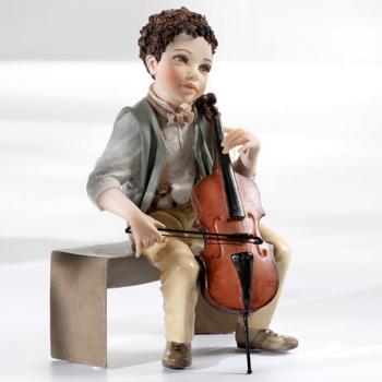 "Кукла ""Мальчик играющий на контрабасе"""