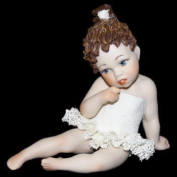 """Кукла """"Маленькая балерина сидит"""""""