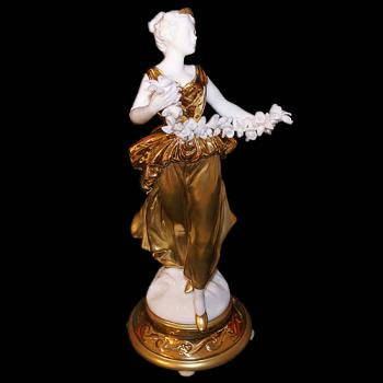 """Скульптура """"Богиня с цветами"""""""
