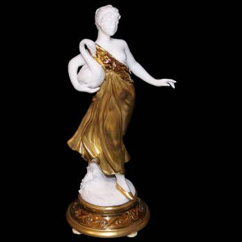 """Скульптура """"Богиня с лебедем"""""""