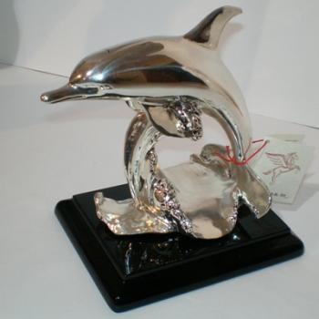 """Скульптура """"Дельфин"""""""