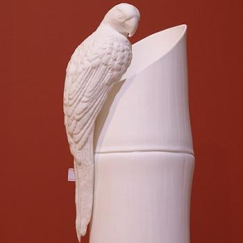 """Скульптура """"Попугай Маккао"""""""