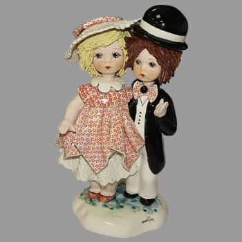 """Статуэтка """"Девочка и мальчик стоящие"""""""