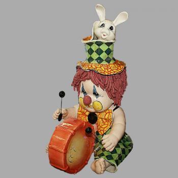 "Статуэтка ""Клоун - барабанщик с кроликом"""