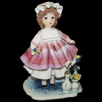 "Статуэтка ""Кукла с цветами"""