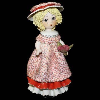 """Статуэтка """"Кукла со светлыми волосами с розами"""""""