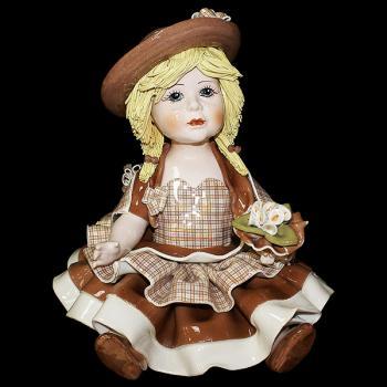 """Статуэтка """"Кукла в св. коричневом платье"""""""